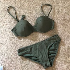 Old Navy Army Green Small Suit